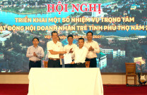 Hội DNT Quảng Ninh tham dự lễ dâng hương Đền Hùng, dự hội nghị chuyển giao cụm Trưởng cụm TDBB
